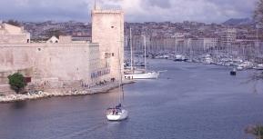 En entrant dans le Vieux Port