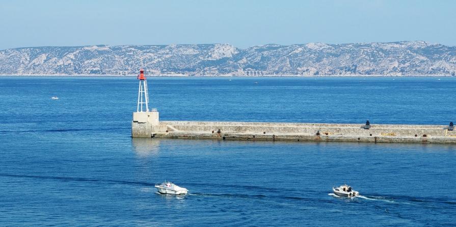 Marseille - Sortie du Vieux Port