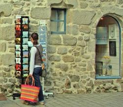 Guérande Les cartes postales et le panier