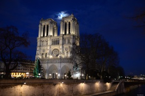 Paris la lune
