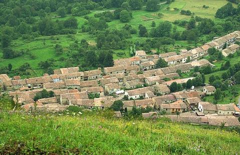 Toits de Montségur en Ariege